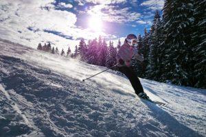 Akcesoria potrzebne do samodzielnego serwisowania nart