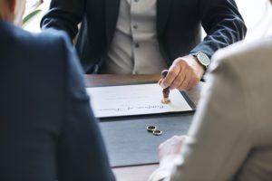 Czy warto skorzystać z usług adwokata w sprawie rozwodowej?
