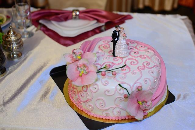 Figurki na tort weselny